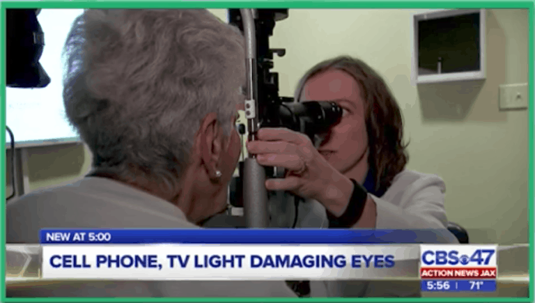 Excessive Cell Phone Usage Can Damage Your Eyes | Florida Eye Specialists